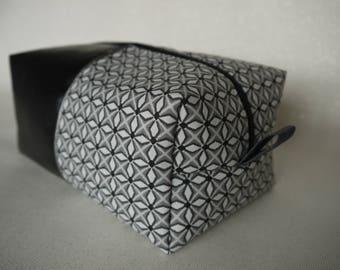 """Square """"flowers"""" black leatherette case"""
