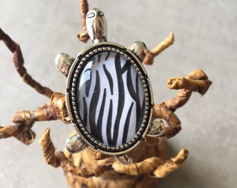 Zebra - Ring adjustable turtle 18x25mm glass cabochon