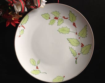 Christmas plate customizable large format, decor red and green Holly leaves.