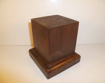 Made with beech and oak schc11 for figurines square wood base
