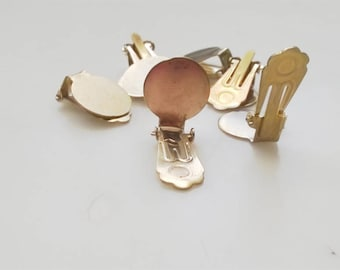 Supports set brass earrings