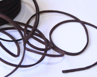 Meter square 2 x 1 mm brown suede cord