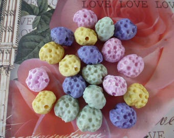 Coral/sponge 15 Pack of 20 mm acrylic beads