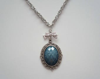 Necklace beautiful faceted - romantic blue Medallion