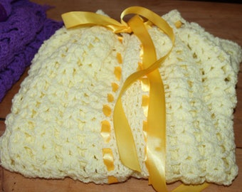 CROCHETED YELLOW CAPE