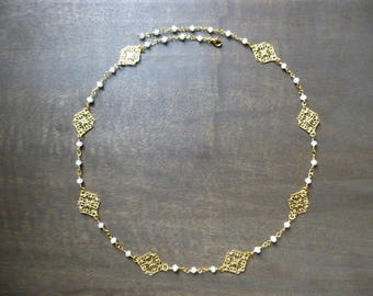 "Wedding headband gold ""Eugénie"" opaque white Crystal beads"