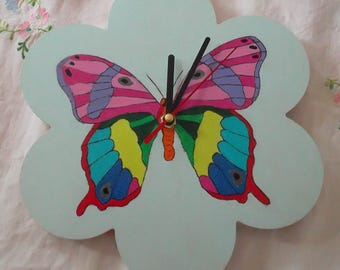 Clock with multicoloured Butterfly flower
