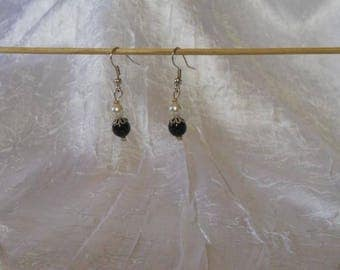 Black and White Pearl beads earrings