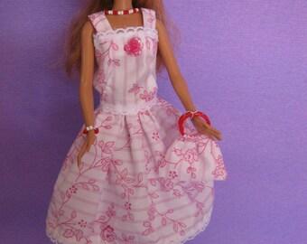 Very pretty little dress short (B177)