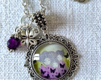 Silver necklace with round cabochon pendant