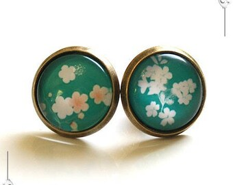 Cabochon chips blue Japanese flower earrings Vintage glass Cabochon