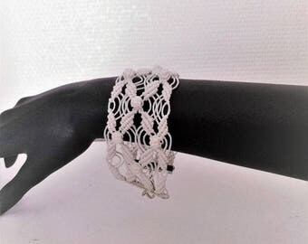 """Flowers and leaves"" traditional micromacrame bracelet"