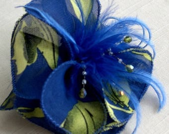 Small hair clip flower fabric and feathers and beads 063