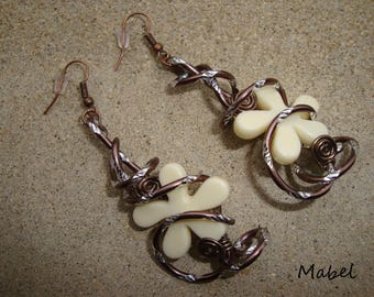 Ivory flower, Brown aluminum Wire Earrings diamond, spring wedding