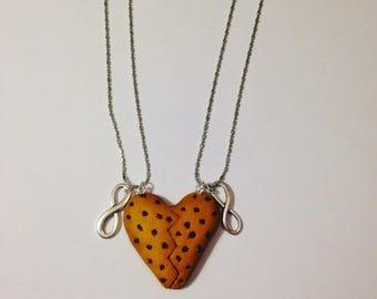 "2 necklaces fimo ""best friends"" cookies"