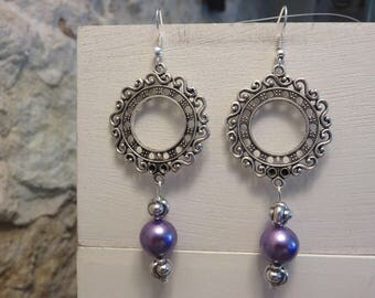 Round earrings with mauve and silver beads