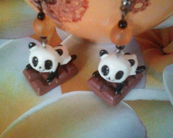 Nice pair of earrings panda gourmet chocolate bar