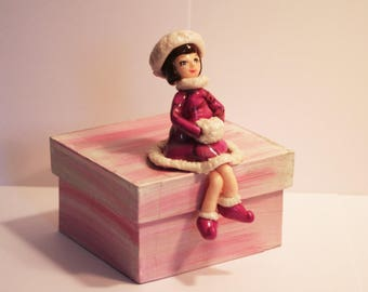 Pink box girl winter - reserved