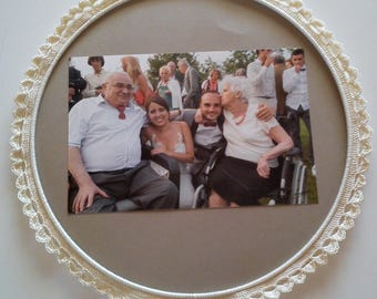 33 cm round crochet picture frame