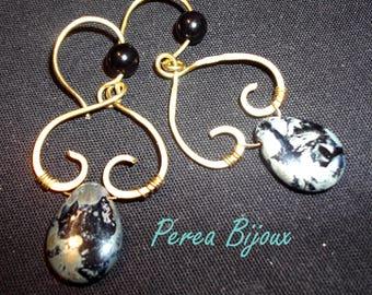 boucles d'oreilles en bronze avec pierres teintées le coeur