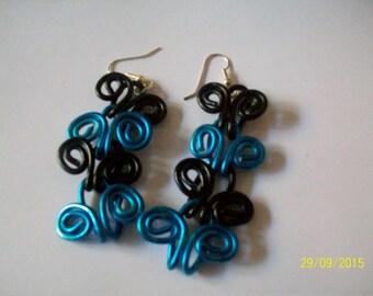 Blue and black aluminium bead earring