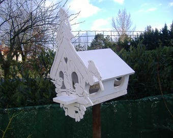 Round bird feeder House nest