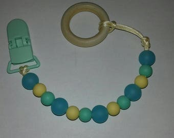 Pacifier clip. Silicone beads. Plastic clip