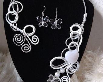 pretty Heart Necklace in aluminum wire