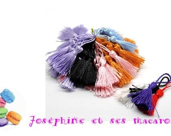 Red 1 size 4 to 5 cm tassel