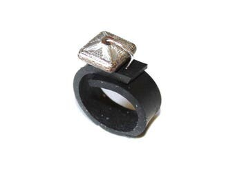 Ring in inner tube recycled car silver square