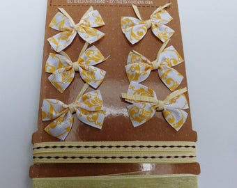 set of 6 bows 1 satin ribbon and 1 beige organza Ribbon and arabesque on ties
