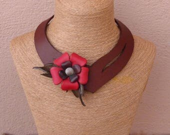 Lacy asymmetric brown leather necklace in staggered red flowers