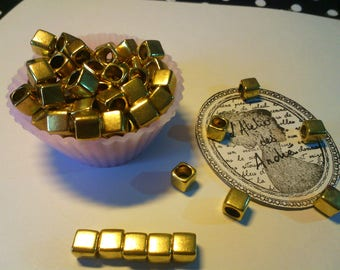 10 beads-cubes-brass - gold - antique 6 x 6 mm drilled 4 mm