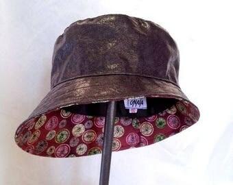 Brown lichen curved rain hat