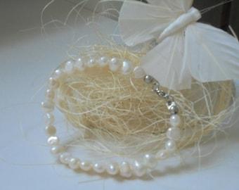 Natural freshwater pearls bracelet
