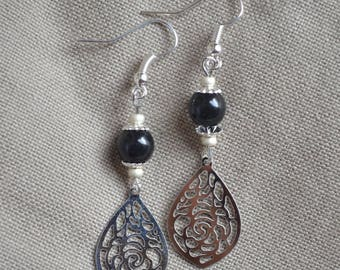 Earrings with black bead and drop print