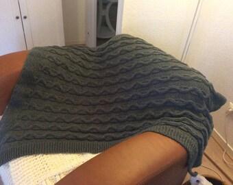 Plaid grey hand knitted dark torsade