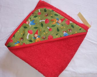 Hooded towel in red Terry cloth and his elves fabric hood