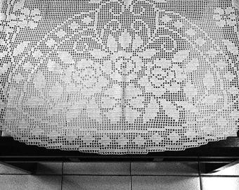 New doily hand crotheted cotton large tablecloth