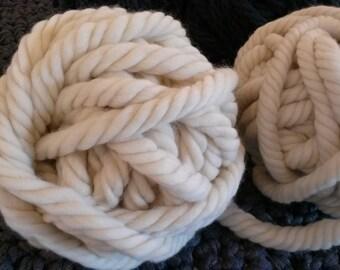 grosse laine mèche naturelle super bulky xxl écru. 250g. pure laine vierge mérinos.