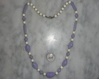 Vintage Pastel Lavender Purple and White Beaded Necklace Trendy SHIPS FREE Silver Tone