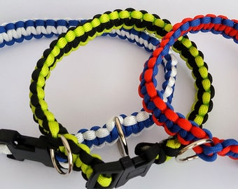 Paracord Dog Collars in a a variety of sizes and colours