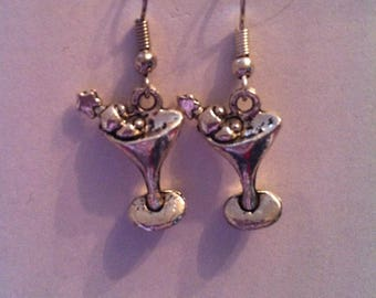 Silver cocktail charm earring