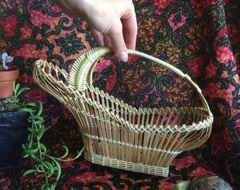 Vintage Boho bamboo basket, basket with handle, vintage basket, BoHo basket