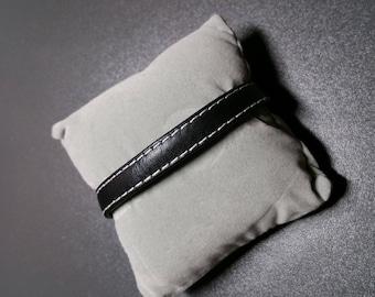 Men/women black bracelet