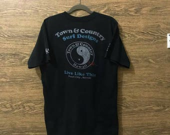 Sale Rare T & C Town and country Surf design tshirt/Big print logo/Hawaii/Nice design/Size on tag Large.