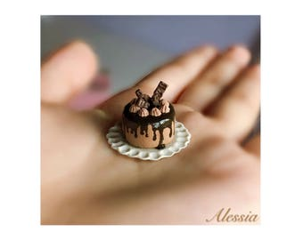 Miniature chocolate cake