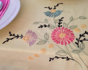 Tablecloth with colorful flowers