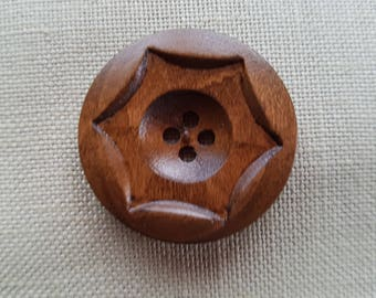 Round 4 hole 34 mm wooden buttons