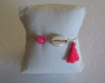 Tassel and shell Fuchsia silver Bangle